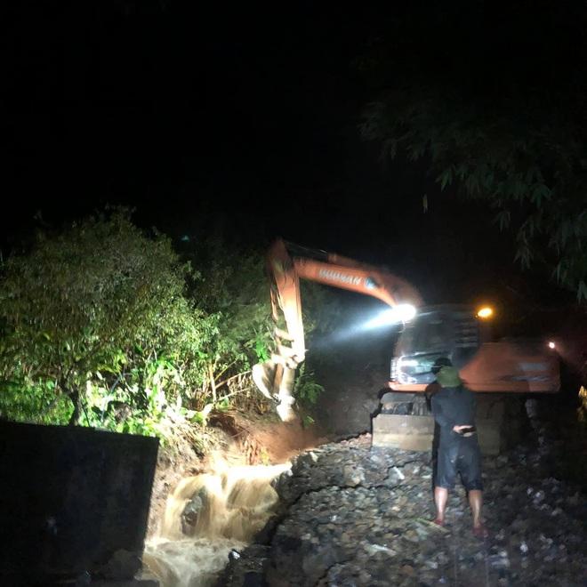 Mưa lớn suốt 24 giờ gây ngập lụt ở huyện cao nhất Nghệ An - ảnh 4