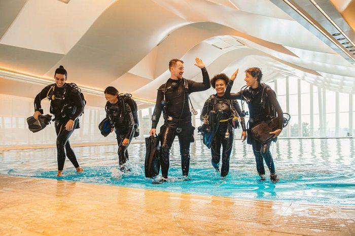 Bể bơi sâu nhất thế giới - ảnh 8
