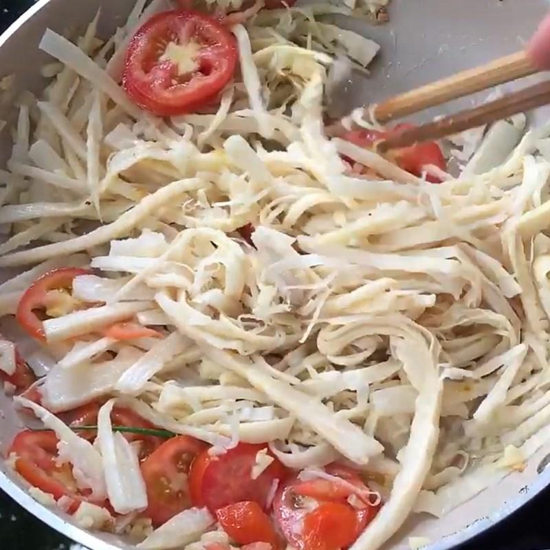 Cách làm măng xào cà chua đậm đà, hao cơm, cực đơn giản - ảnh 6