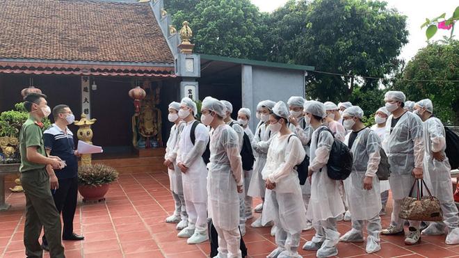 Hà Nội: Cách ly y tế tòa chung cư ở Khu đô thị Ngoại giao đoàn; Khởi tố vụ án hình sự con làm lây lan dịch bệnh truyền nhiễm nguy hiểm cho mẹ - ảnh 33