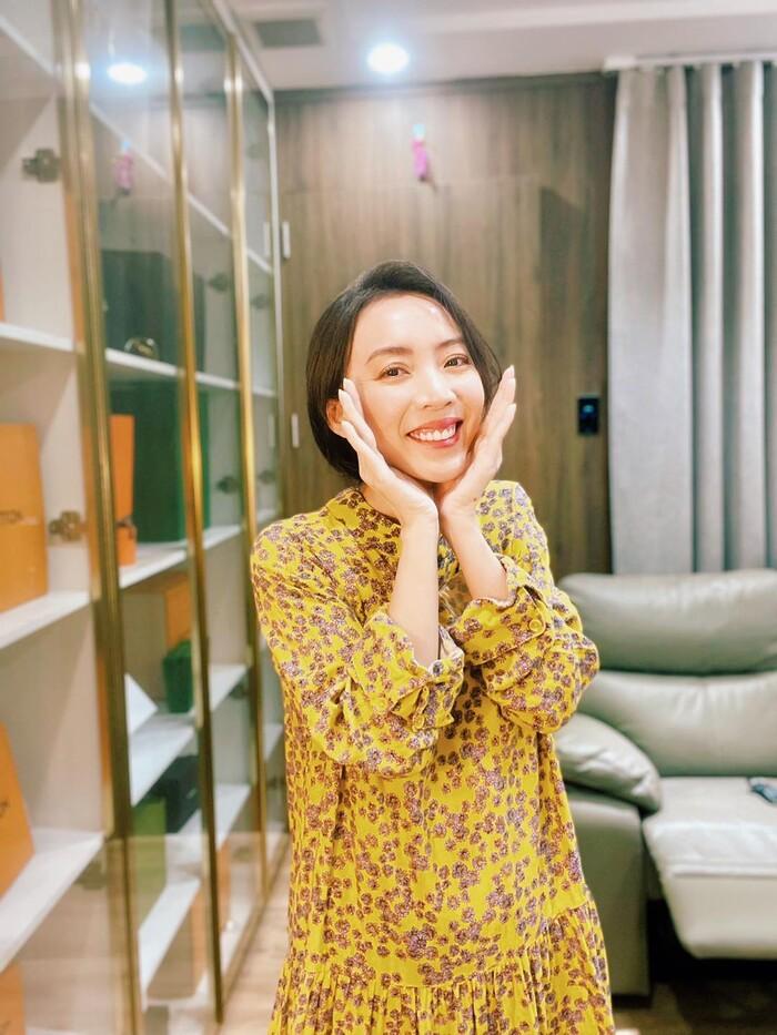 Tiến Luật ''nóng mắt'' khi thấy bà xã Thu Trang thường xuyên tung ảnh ''thả thính'' gợi cảm - ảnh 2