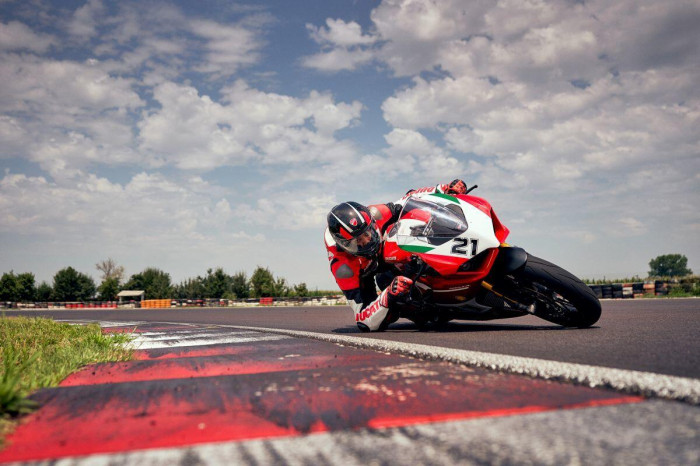 Cận cảnh Ducati Panigale V2 phiên bản đặc biệt - ảnh 22