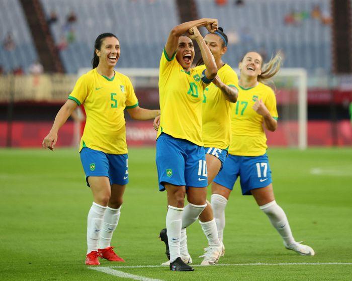 Brazil hạ Trung Quốc 5-0, Pele khen Marta hết lời - ảnh 2