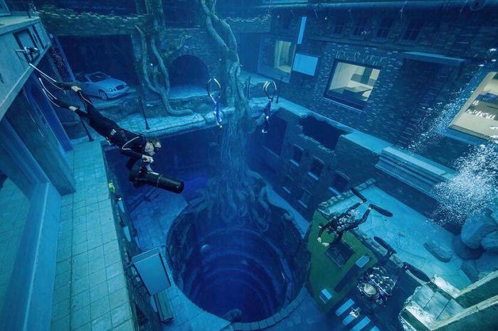 Bể bơi sâu nhất thế giới - ảnh 4