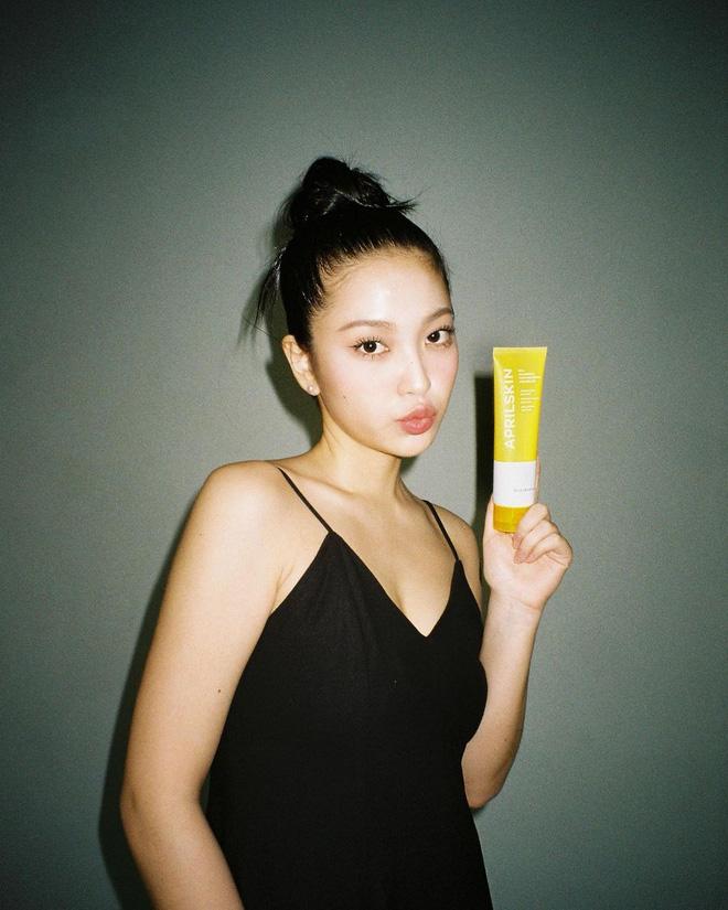Yeri và Kaity Nguyễn: Vai rộng nhưng chẳng ngán đồ hai dây, còn có cả tá cách mặc đẹp cải thiện điểm này - ảnh 10