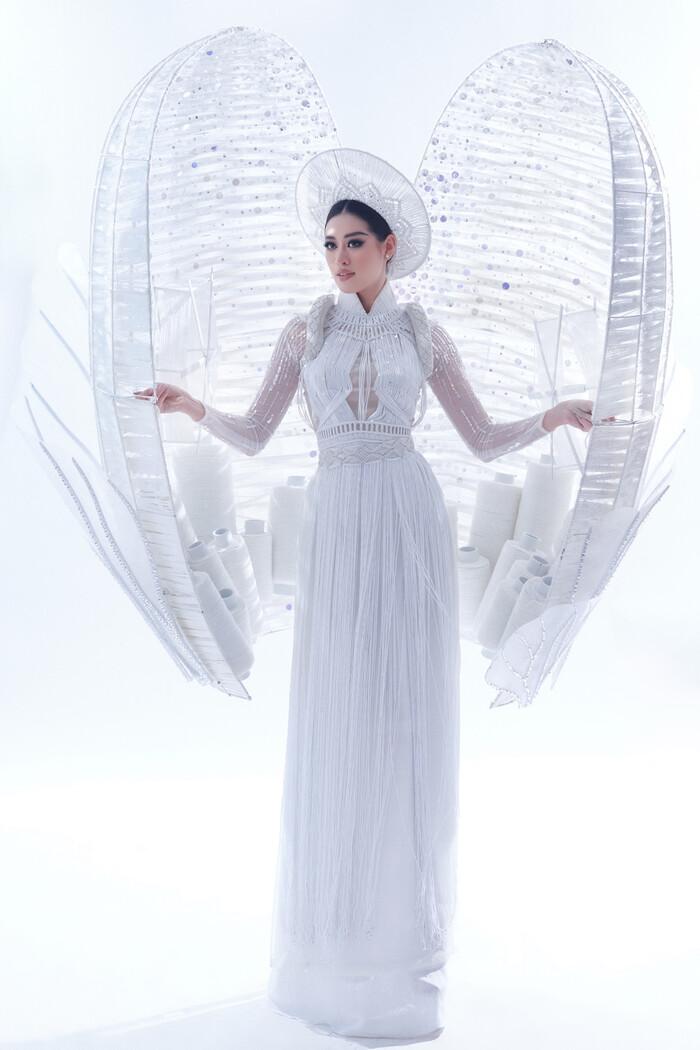 National Costume của Kim Duyên gửi tới Miss Universe mang đậm văn hóa miền Tây: Cầu kì hơn cả Kén Em - ảnh 7