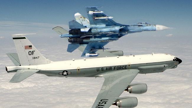 Vì sao NATO căm ghét phi đội máy bay chiến đấu hạng nặng Su-27? - ảnh 15