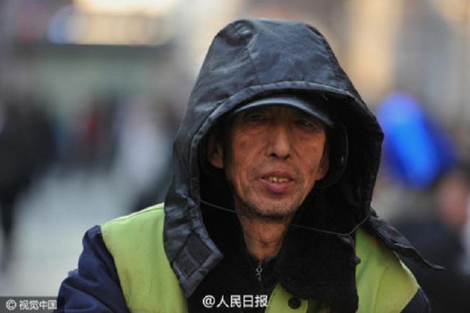 Ông công nhân vệ sinh tiết kiệm từng đồng cưu mang người nghèo - ảnh 2