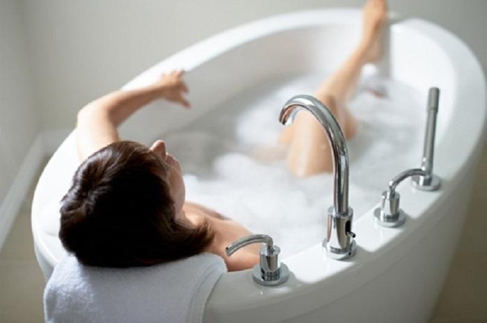 Tắm đúng cách nàng sẽ sở hữu một làn da láng mịn, mềm mượt như quảng cáo - ảnh 3