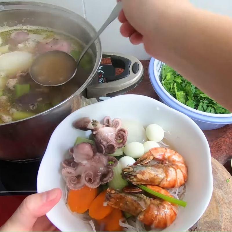 Cách làm mực khô xào dứa chua ngọt hấp dẫn bắt cơm ai cũng mê - ảnh 30