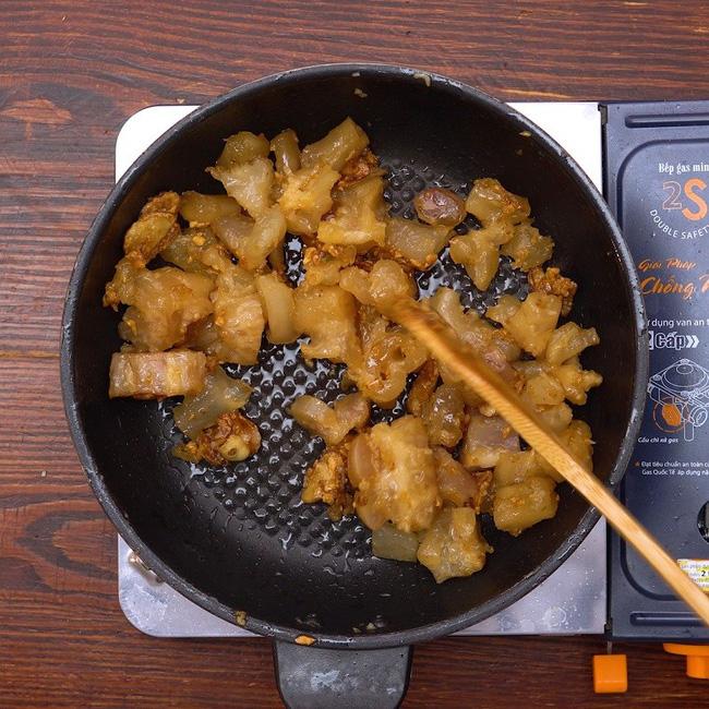Cuối tuần làm món gân bò cháy tỏi, đậm đà đầy hấp dẫn ăn là ghiền ngay - ảnh 11