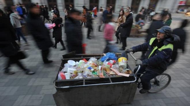 Ông công nhân vệ sinh tiết kiệm từng đồng cưu mang người nghèo - ảnh 8