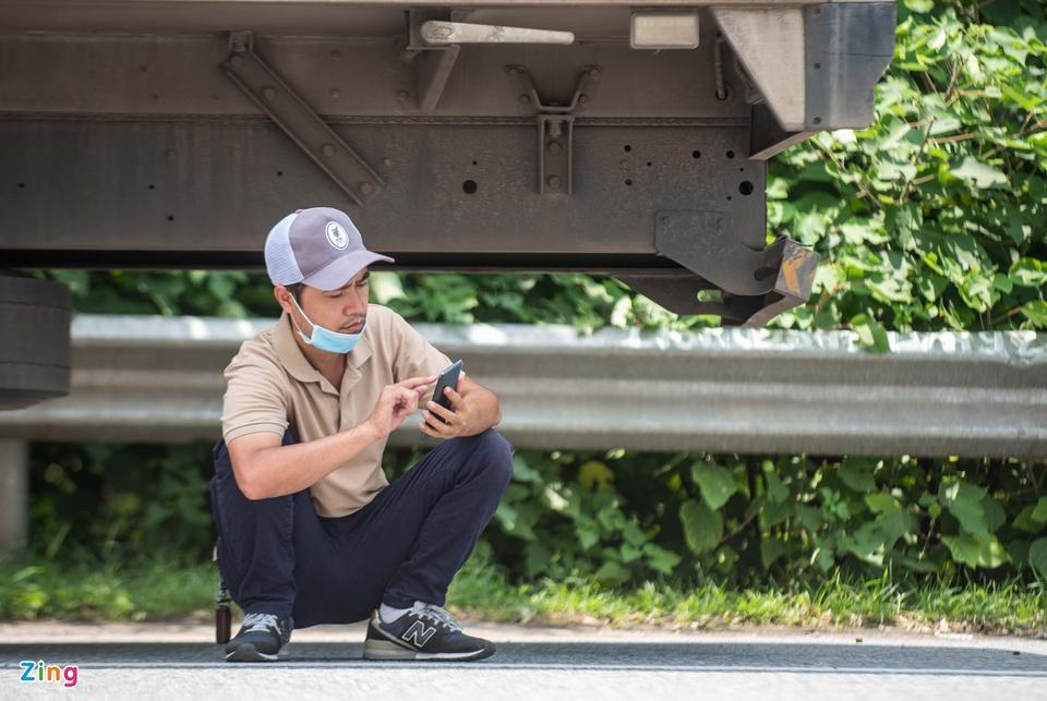 Tài xế tranh luận với CSGT khi Hà Nội cấm xe vào nội thành - ảnh 8