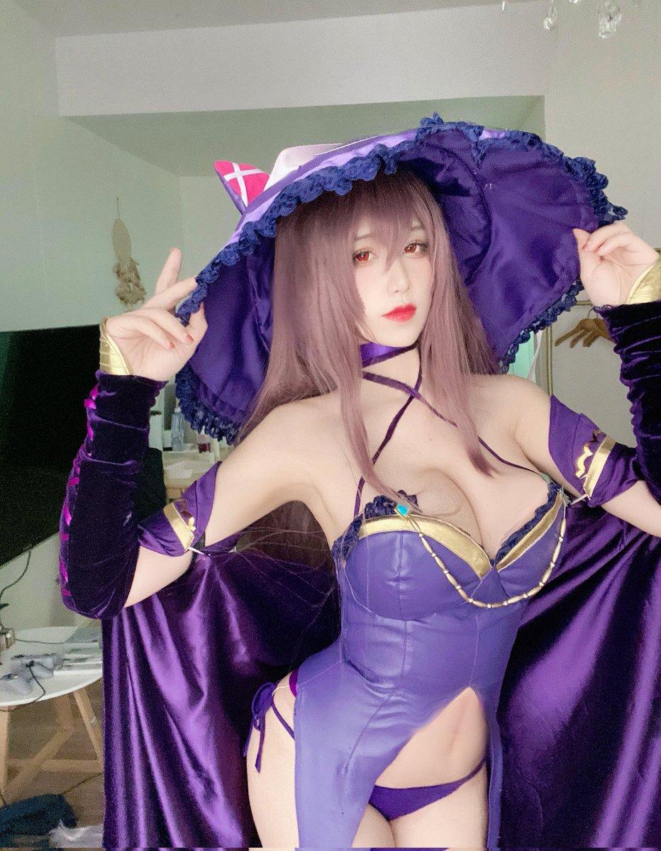 Tự tin khoe vẻ gợi cảm, nữ coser xinh đẹp sở hữu một lượng fan khổng lồ - ảnh 3