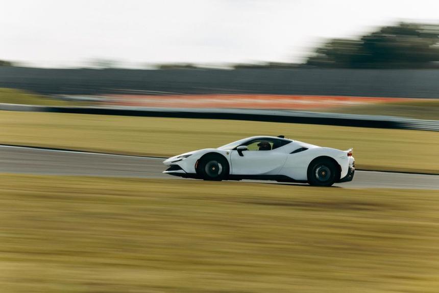 Ferrari SF90 Stradale lập kỷ lục tăng tốc 0-100 km/h trong 2 giây - ảnh 8