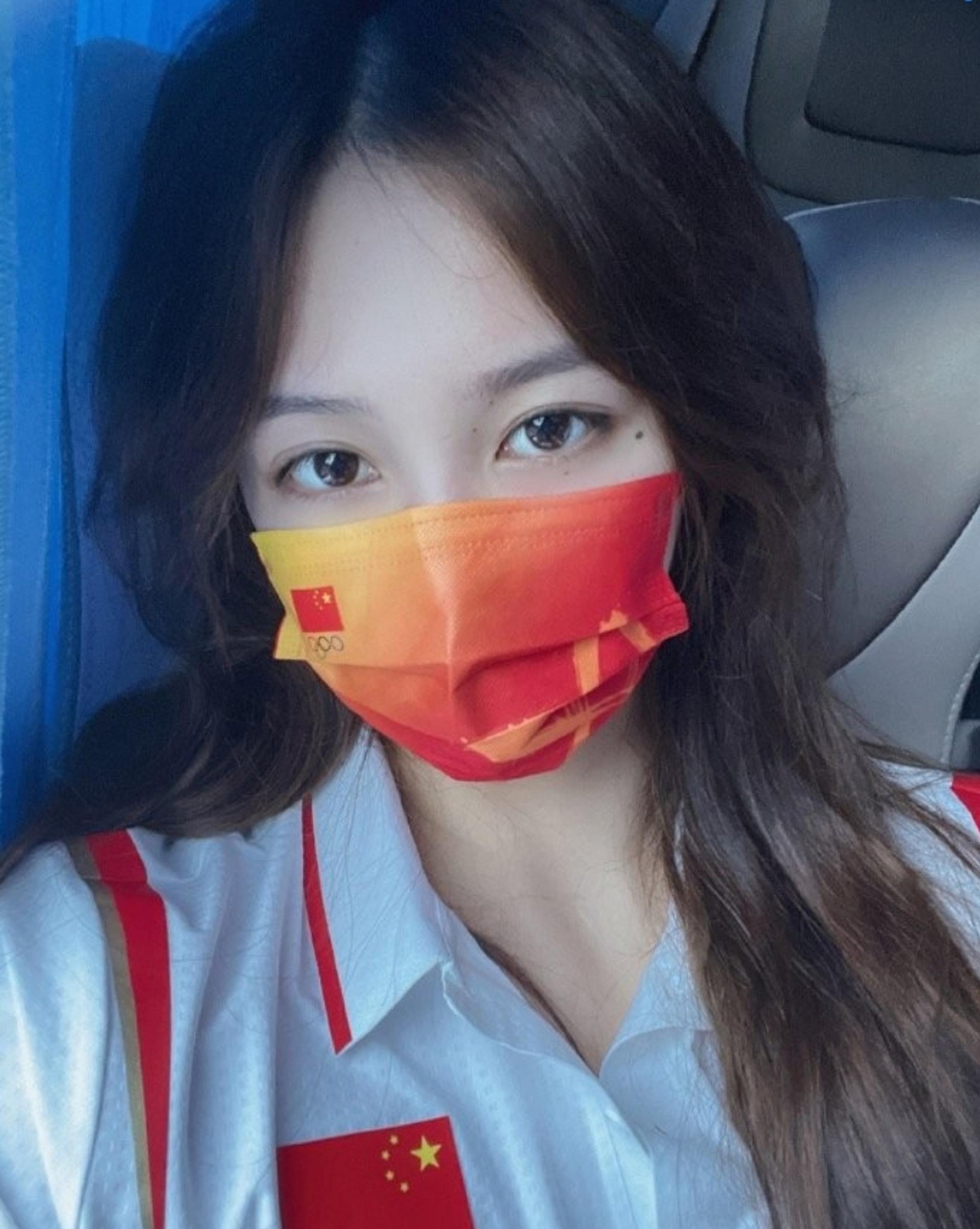 Đội trưởng đội tuyển bóng nước nữ Trung Quốc gây bão MXH vì ngoại hình nổi bật, nhan sắc được so sánh cùng Trương Bá Chi - ảnh 6