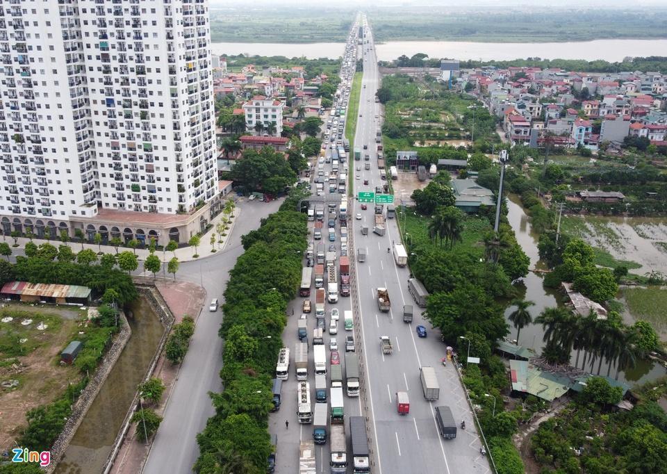 Tài xế tranh luận với CSGT khi Hà Nội cấm xe vào nội thành - ảnh 2