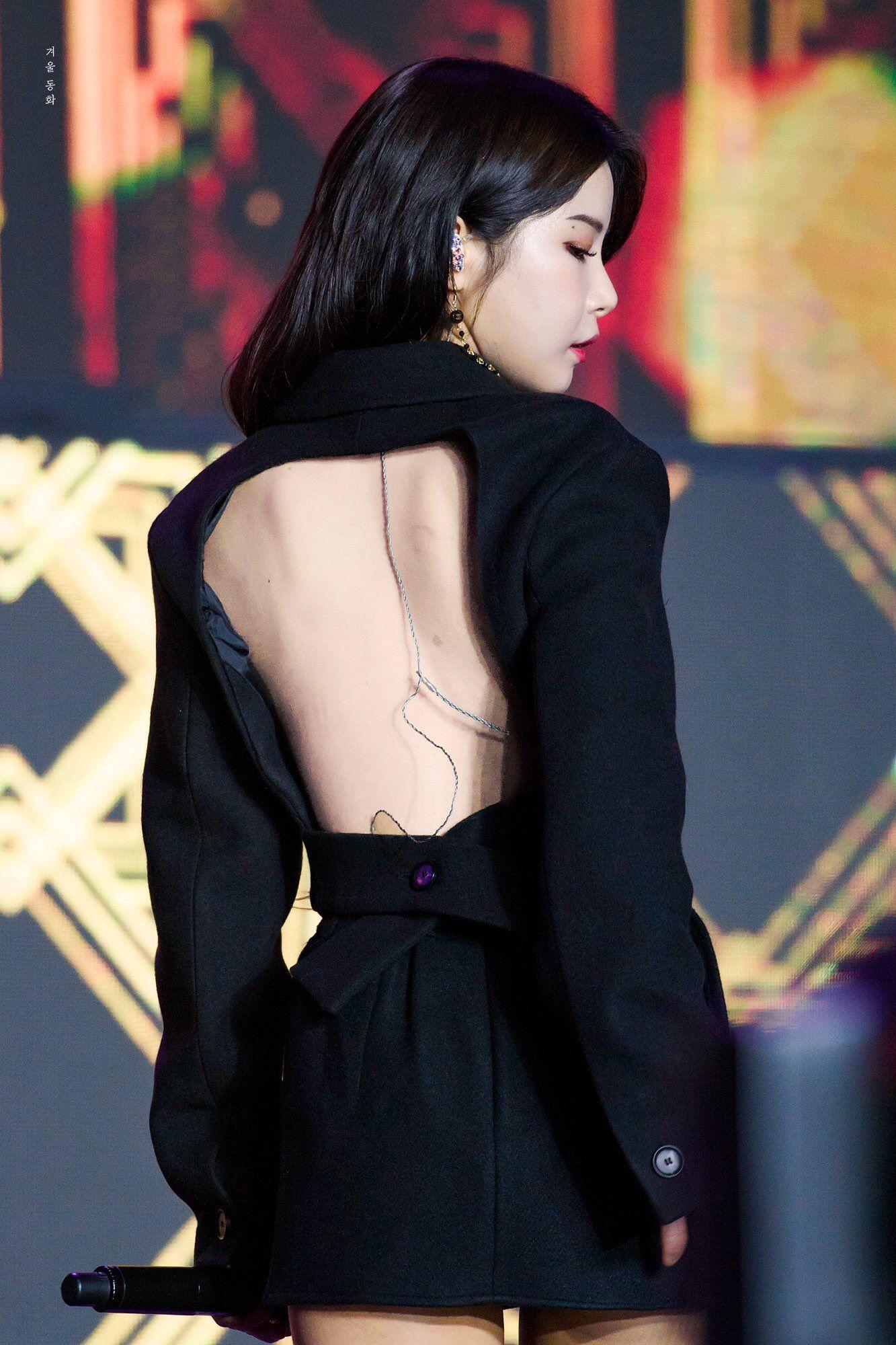 Idol Kbiz so kè cực gắt khi diện đồ hở lưng: Jisoo kín nhất BLACKPINK, Irene – Yoona cạnh tranh ngôi nữ hoàng - ảnh 15