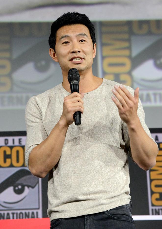 """Nam diễn viên đóng vai siêu anh hùng võ thuật Shang-Chi hóa ra cũng là """"fan cứng"""" của Liên Minh Huyền Thoại - ảnh 6"""