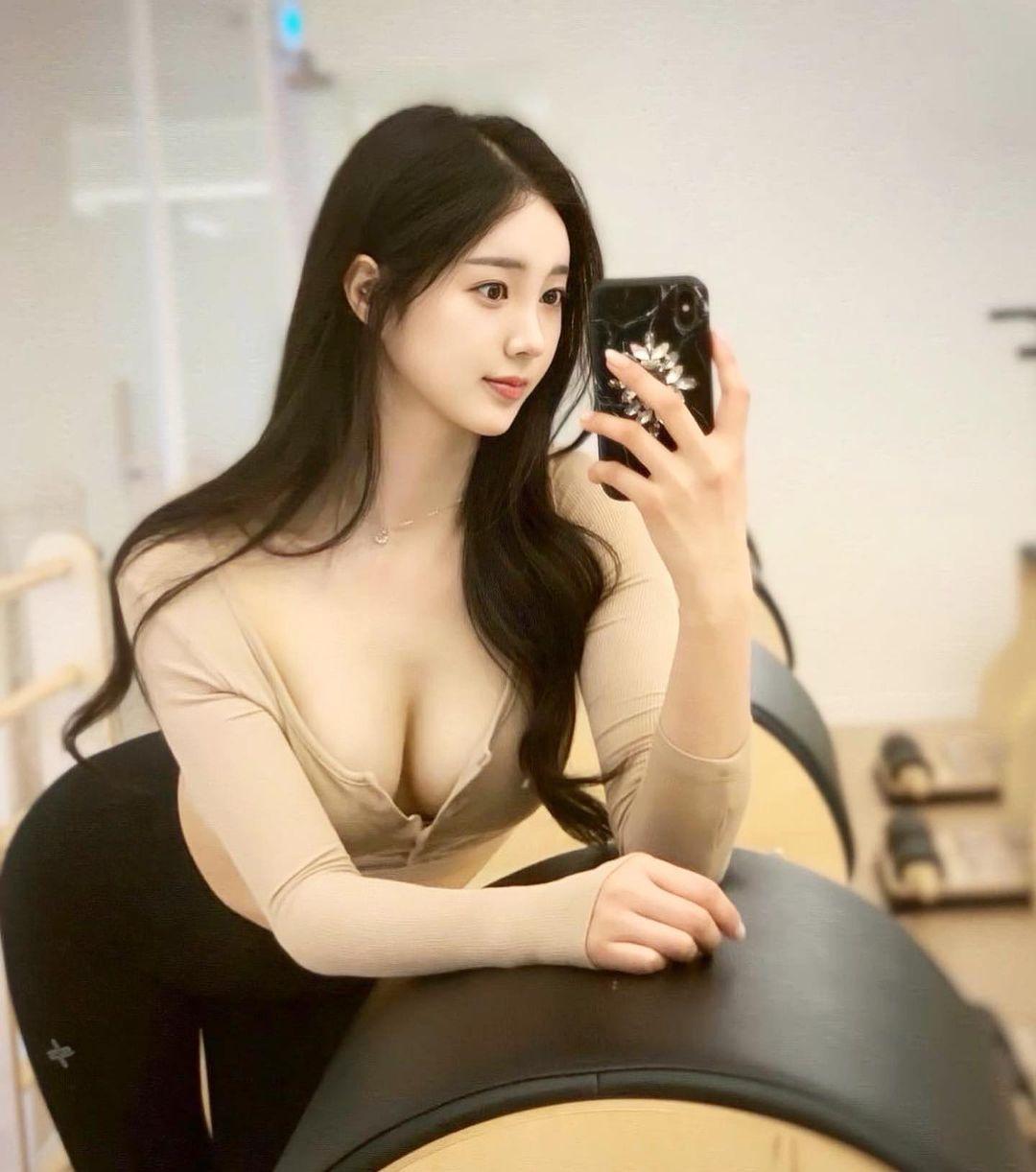 Nguyên tắc thời trang giúp thiếu nữ xứ Hàn khéo hút ánh nhìn nơi công cộng - ảnh 7
