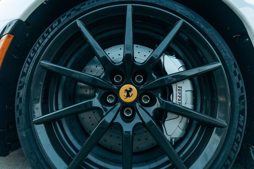 Ferrari SF90 Stradale lập kỷ lục tăng tốc 0-100 km/h trong 2 giây - ảnh 14