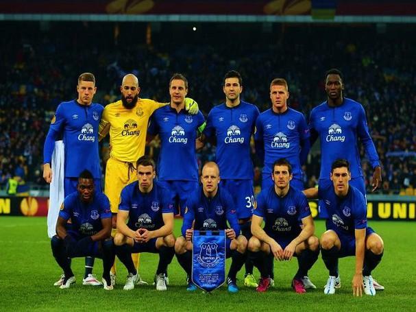 Vợ Asmir Begovic ghi điểm trước fan Everton - ảnh 8