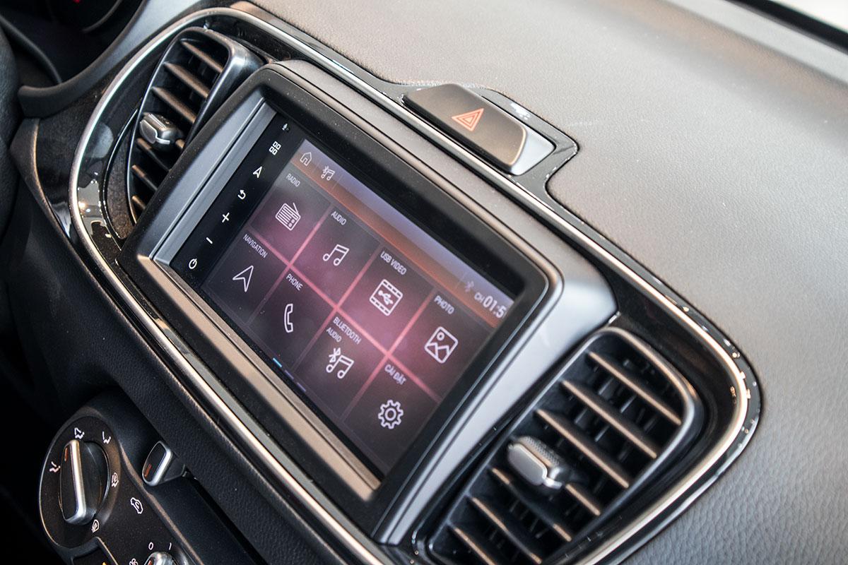 Mới chạy 2.500 km, Kia Soluto Luxury bán lỗ ngỡ ngàng - ảnh 3