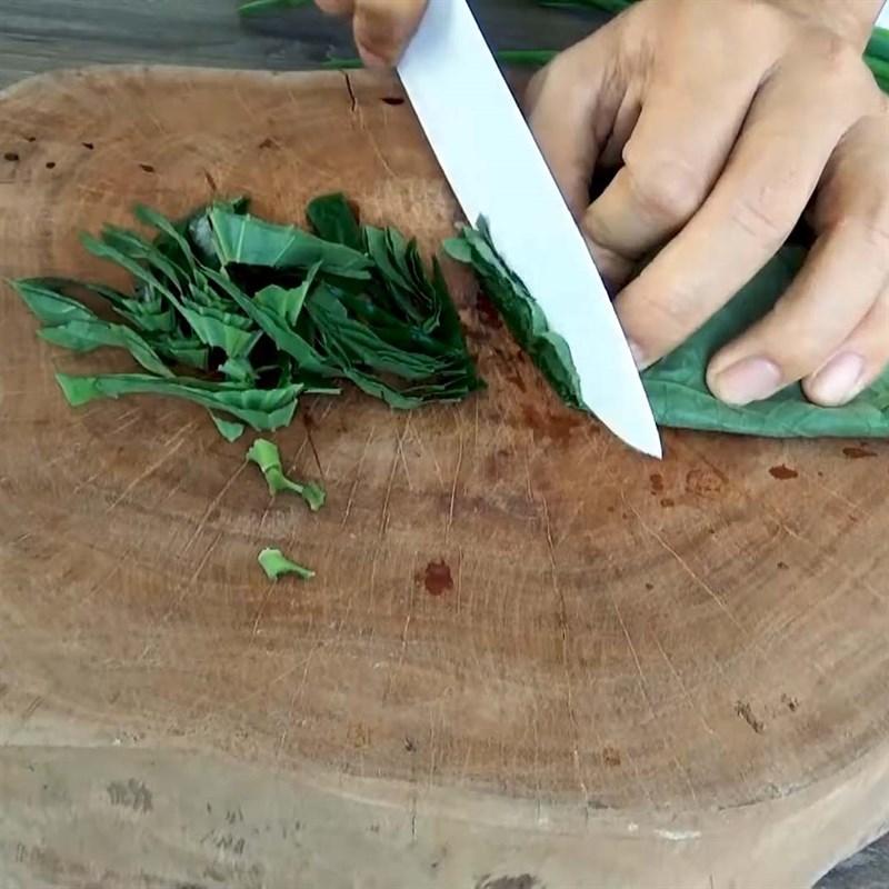 Cách làm măng xào lá lốt thơm ngon hấp dẫn, đơn giản tại nhà - ảnh 4