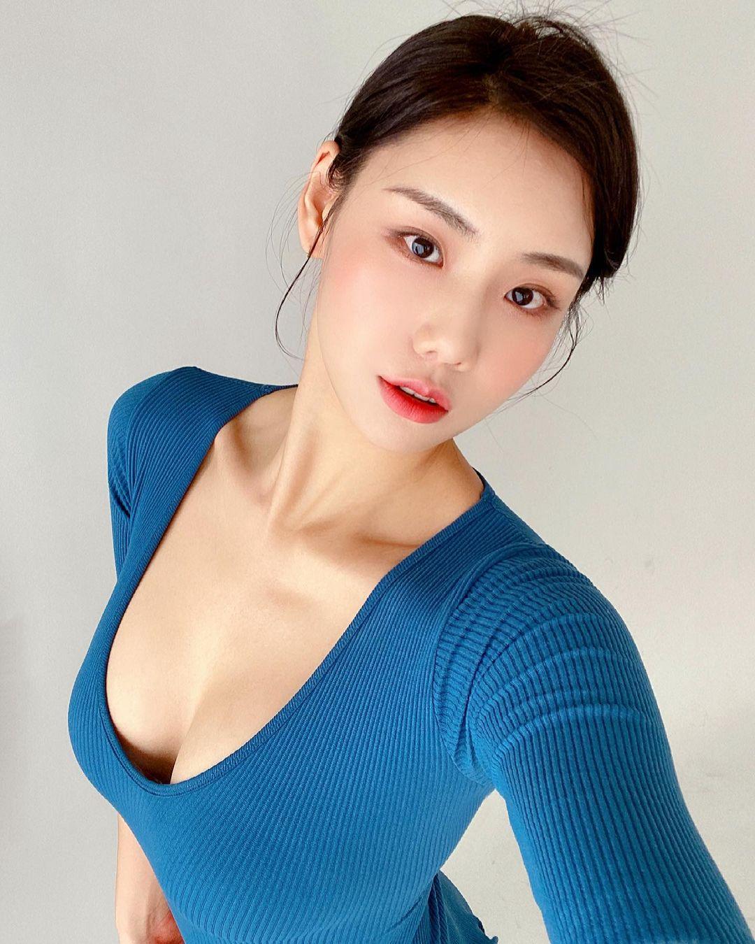Nguyên tắc thời trang giúp thiếu nữ xứ Hàn khéo hút ánh nhìn nơi công cộng - ảnh 4