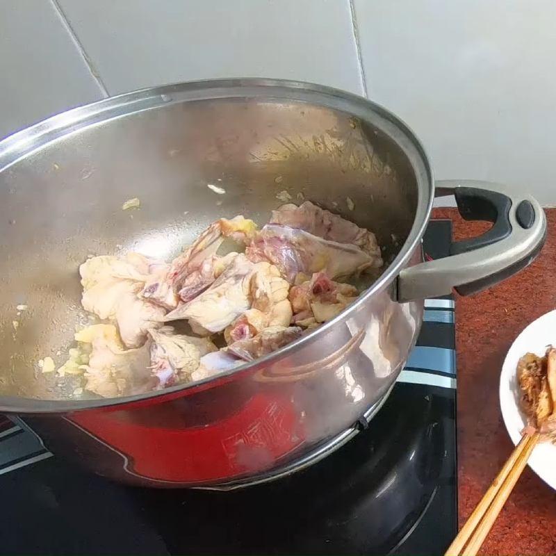 Cách làm mực khô xào dứa chua ngọt hấp dẫn bắt cơm ai cũng mê - ảnh 21