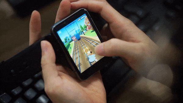 """Trên tay Lokmat Appllp Max: Smartwatch """"siêu to khổng lồ"""" chạy Android, có 4G, cấu hình """"ngon"""", đánh game phà phà - ảnh 15"""
