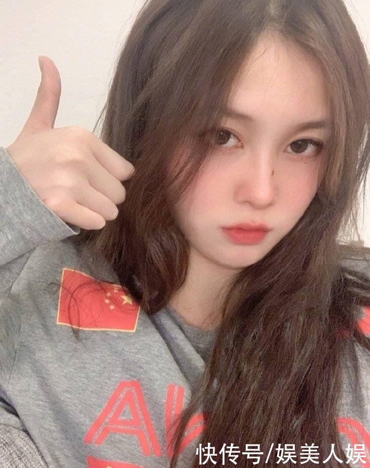 Đội trưởng đội tuyển bóng nước nữ Trung Quốc gây bão MXH vì ngoại hình nổi bật, nhan sắc được so sánh cùng Trương Bá Chi - ảnh 11
