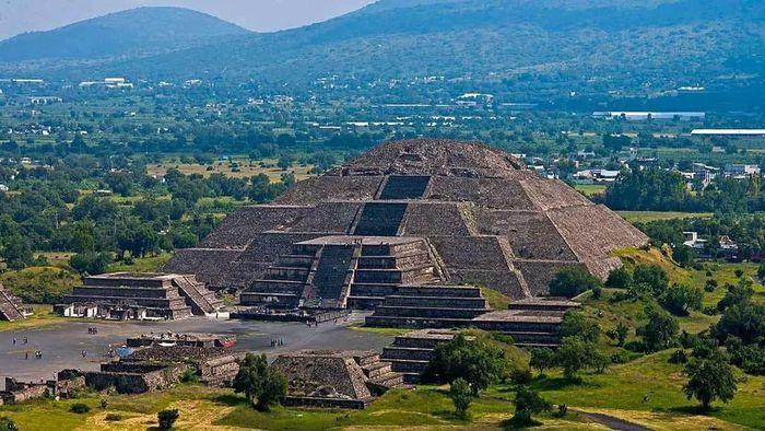 8 công trình kiến trúc kim tự tháp độc đáo - ảnh 8