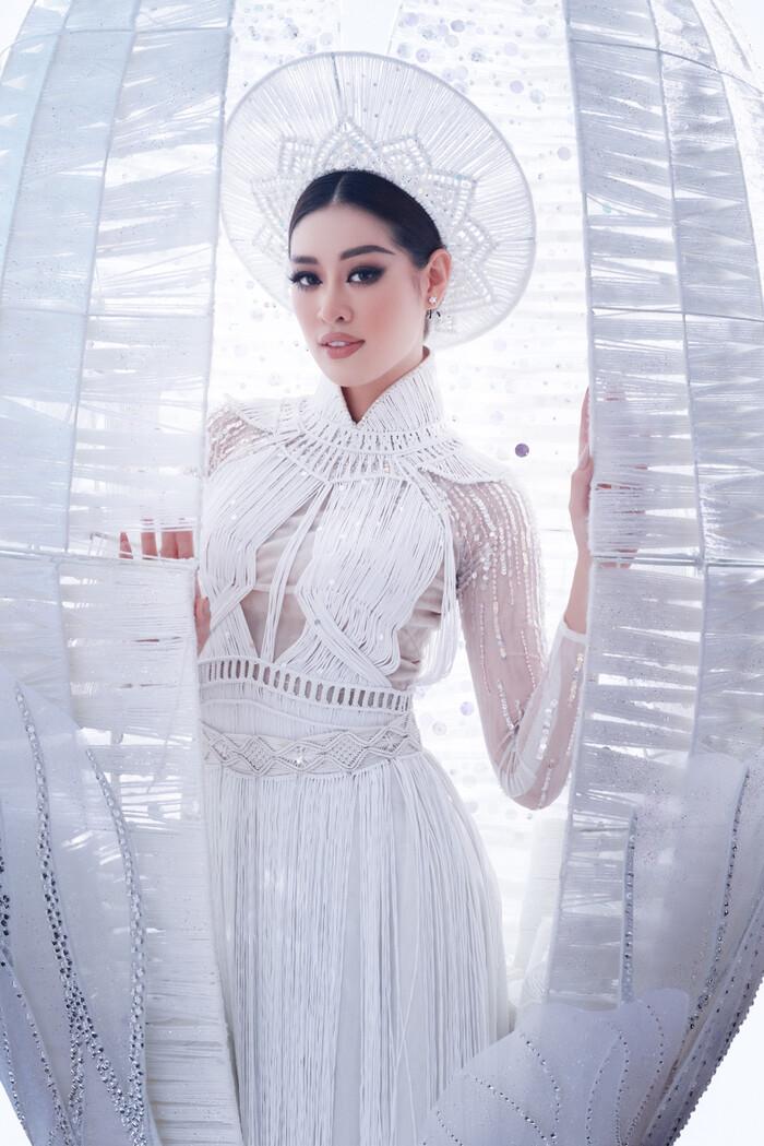 National Costume của Kim Duyên gửi tới Miss Universe mang đậm văn hóa miền Tây: Cầu kì hơn cả Kén Em - ảnh 8