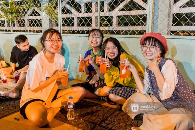 """Giữa cơn sốt """"ai là rapper số 1 Việt Nam"""" bỗng dưng netizen lại gọi tên anh trai bán trà dâu Đông Du, ủa gì vậy? - ảnh 8"""