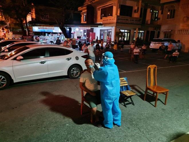 Tài xế taxi dương tính với SARS-CoV-2, Đồng Hới giãn cách toàn thành phố - ảnh 4