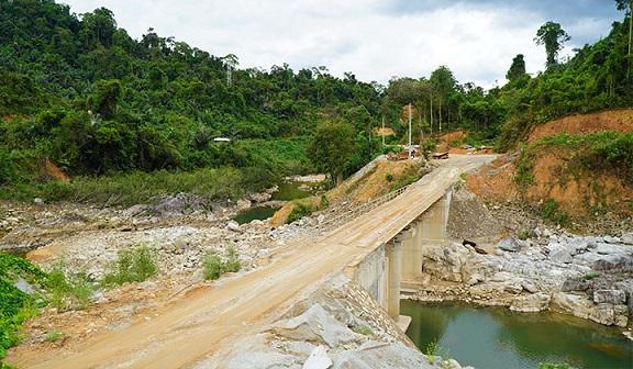 Chủ tịch tỉnh Thừa Thiên - Huế chỉ đạo công tác tìm kiếm cứu nạn tại Rào Trăng 3 - ảnh 2