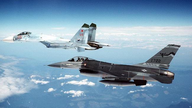 Vì sao NATO căm ghét phi đội máy bay chiến đấu hạng nặng Su-27? - ảnh 13