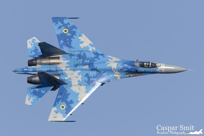 Vì sao NATO căm ghét phi đội máy bay chiến đấu hạng nặng Su-27? - ảnh 5