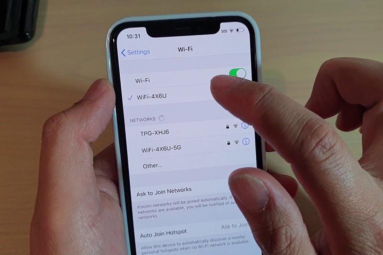 Apple sửa lỗi Wi-Fi bị 'đơ' khi kết nối điểm phát sóng giả mạo - ảnh 2
