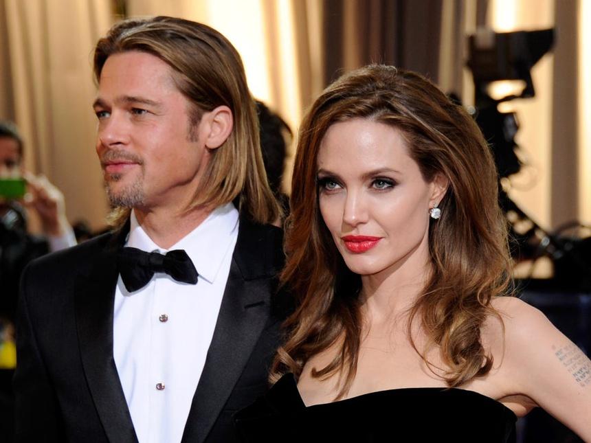 """Bóc trần bí mật của Brad Pitt – Angelina Jolie: Dàn xếp paparazzi giả vờ chụp lén để """"tẩy trắng"""" sau khi """"cắm sừng"""" vợ cũ Jennifer - ảnh 7"""