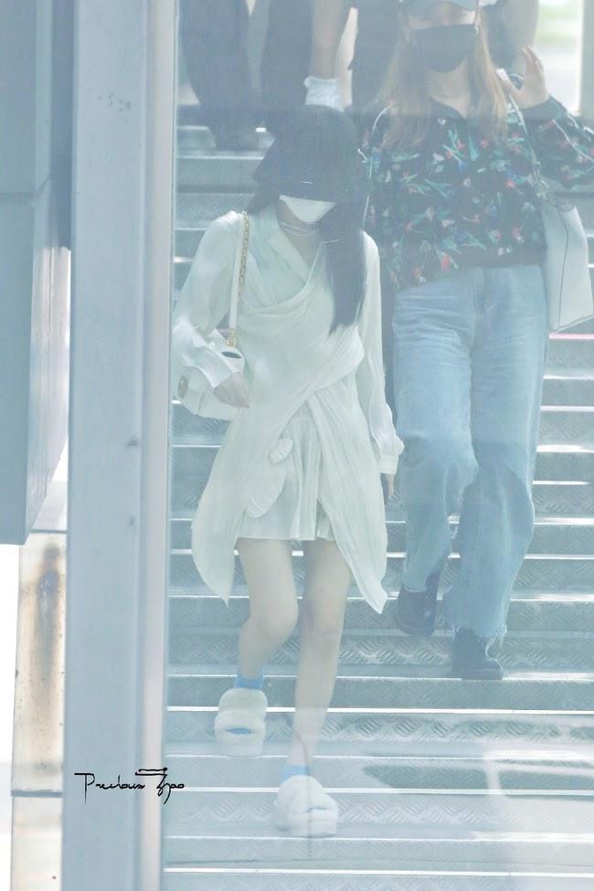 """Triệu Lệ Dĩnh đẹp ná thở trên thảm đỏ, lấn lướt Cảnh Điềm """"đệ nhất mỹ nữ Bắc Kinh"""" - ảnh 8"""