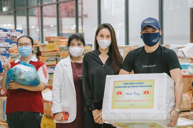 """Chủ tịch UBND Hà Tĩnh: """"Công Vinh – Thủy Tiên không nhận vơ đồ ủng hộ"""" - ảnh 11"""