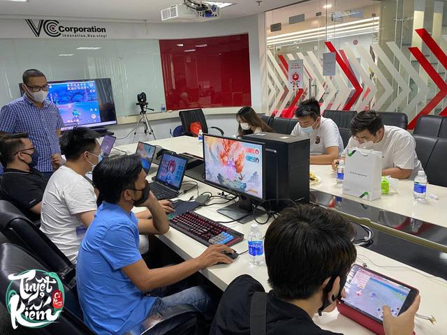 Dưới tay đội ngũ nhân sự NetEase, tựa game này đủ hay và thông minh để khiến game thủ Việt phải