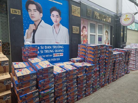 Nhận từ Hà Tĩnh gửi TP.HCM 100 tấn gạo, Thủy Tiên và Công Vinh cầu cứu tình nguyện viên - ảnh 3