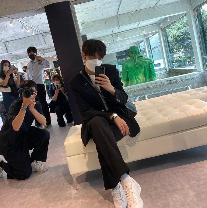 Instagram sao Hàn 25/7 - ảnh 14