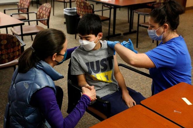 Pfizer có thể sắp ra mắt vắc xin Covid-19 cho trẻ 5-11 tuổi - ảnh 1