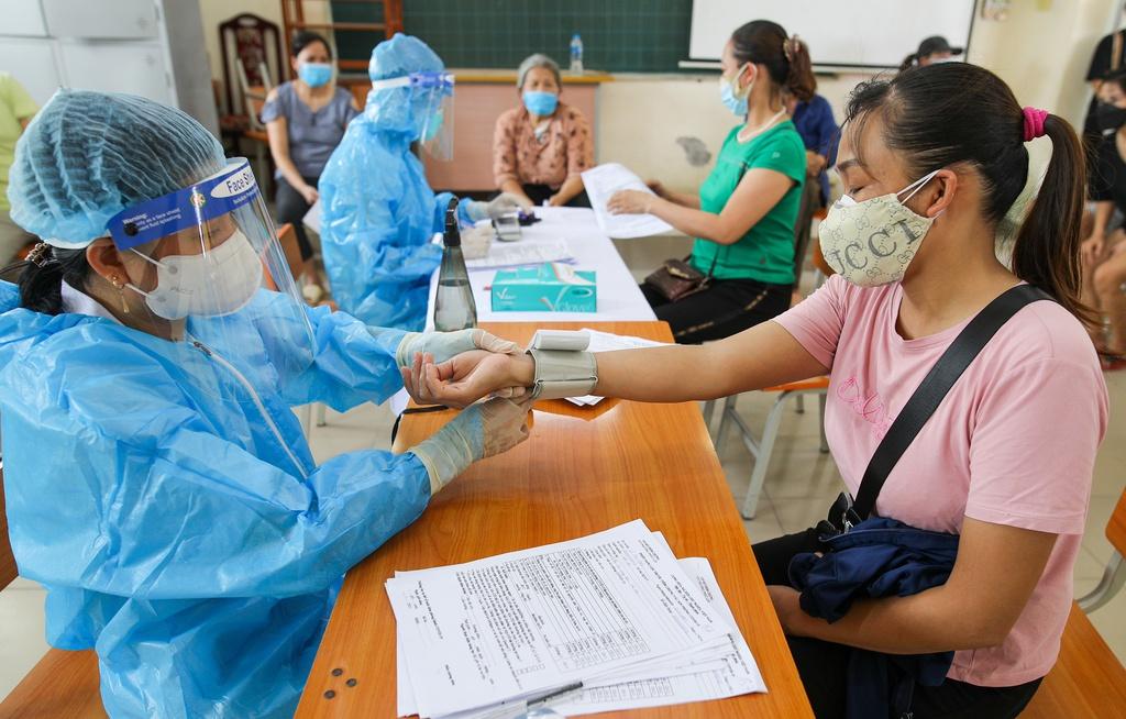 Hà Nội đồng loạt tiêm vắc xin Sinopharm tại các phường, xã - ảnh 3