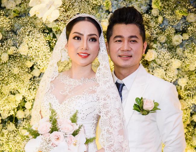 Một cặp đôi chồng ca sĩ - vợ Hoa hậu của Vbiz đã chính thức ly hôn - ảnh 2