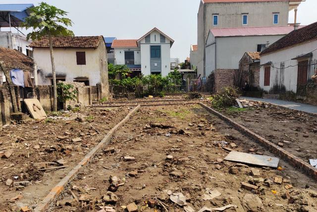 Nhiều cặp vợ chồng mua nhà tiền tỷ Hà Nội dễ dàng nhờ bí quyết chấp nhận ở trọ thời gian đầu, dành tiền đầu tư đất quê kiếm lời - ảnh 1
